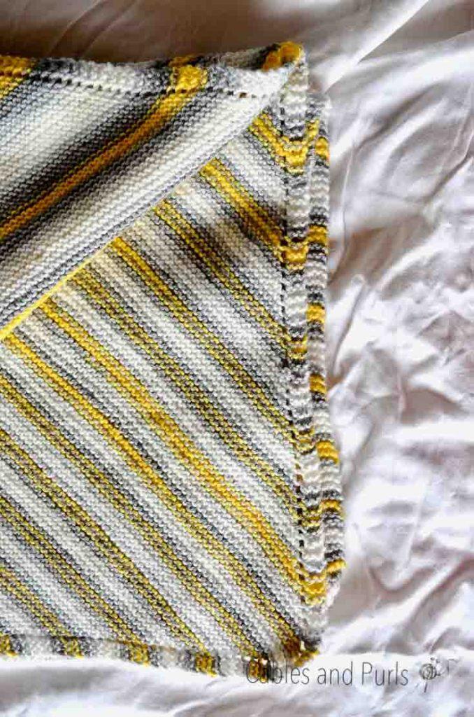Lionbrand Big Scoops Mochi Yarn Knit Blanket