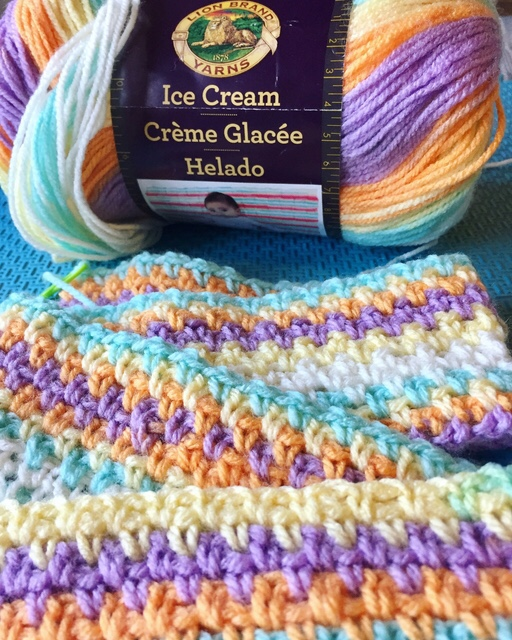 Moss stitch, granite stitch, linen stitch, crochet,  baby blanket, Lionbrand yarns, Lionbrand  ice cream yarns