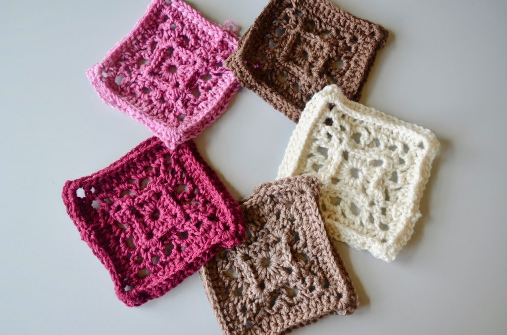 red heart super saver, midnight walk, crochet, granny squares, red yarn, pink yarn, ombre yarns, brown yarns