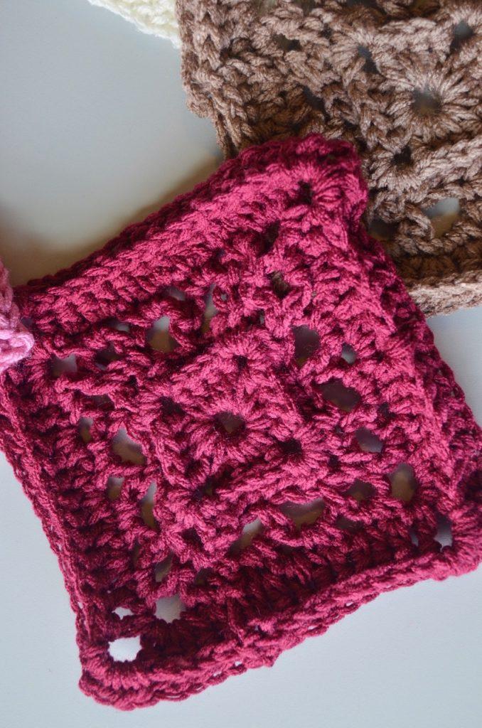 Red heart super saver yarn, knitting,