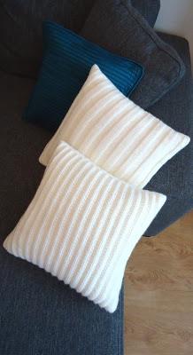 white knit cushions