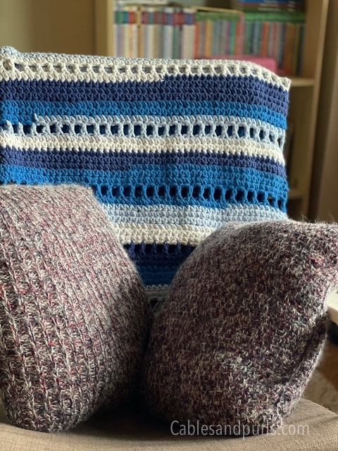 Handmade knit couch pillows simple pattern  idea
